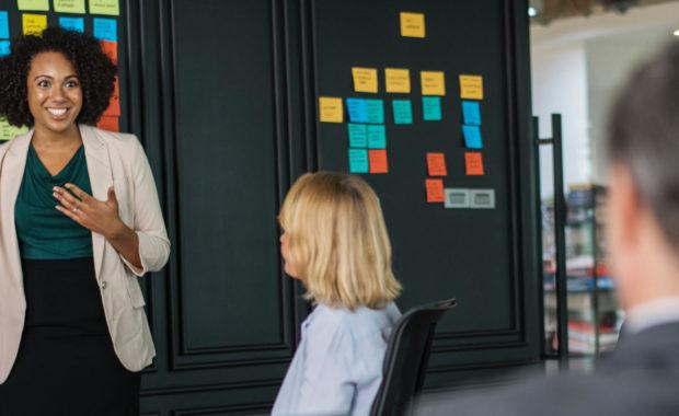 Agile werken - vergadering - inleiding. Hetty Jansen Traning & coaching.